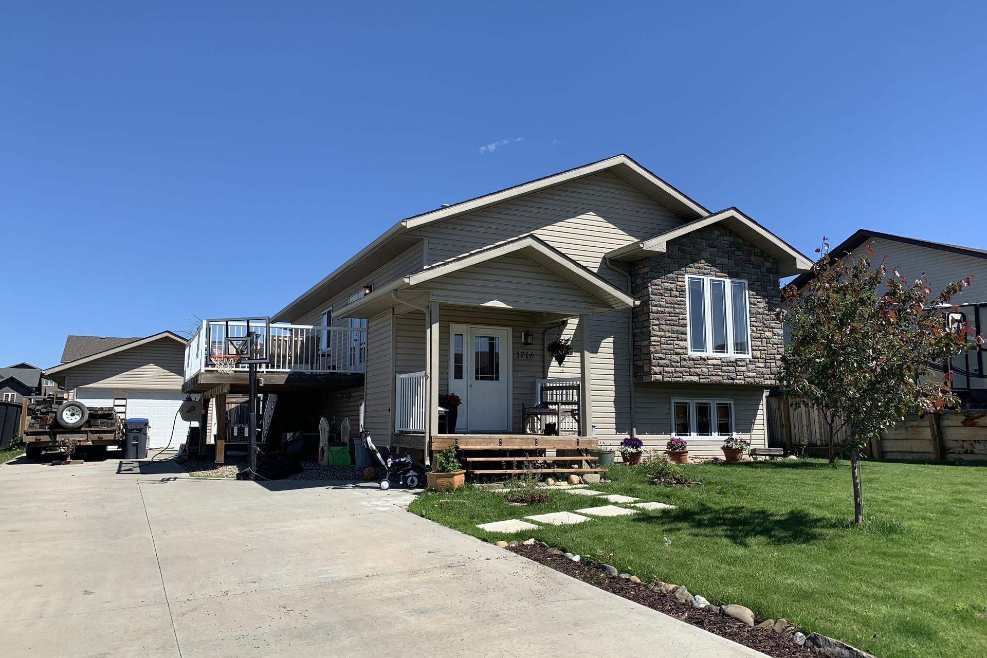 1716 87 Avenue, Dawson Creek